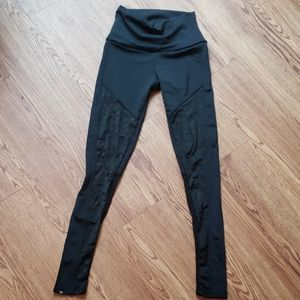 Onzie sheer mesh panel black athletic leggings